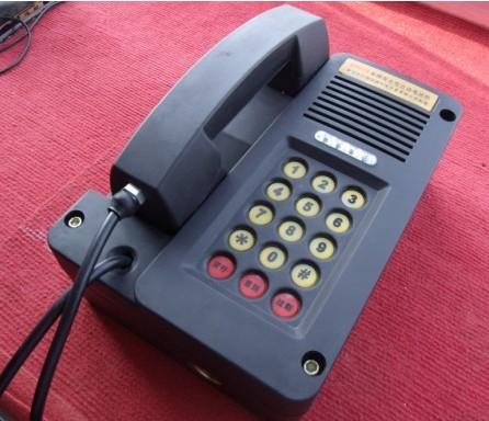 电话机为双音频与紧呼,安装特征为挂式机.