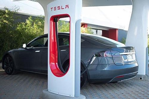 专业化 新能源汽车充电桩需加强创新高清图片